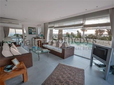 Mdina property living room