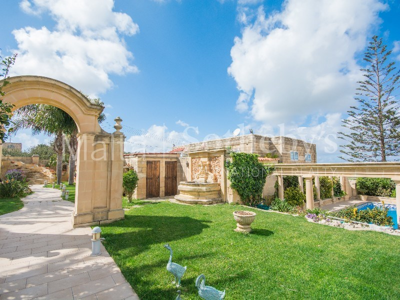 Detached villa, Mosta