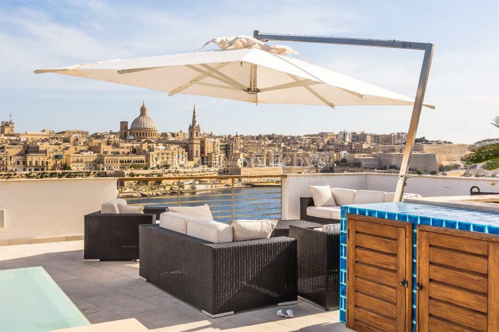 Stunning Tigne Point Penthouse