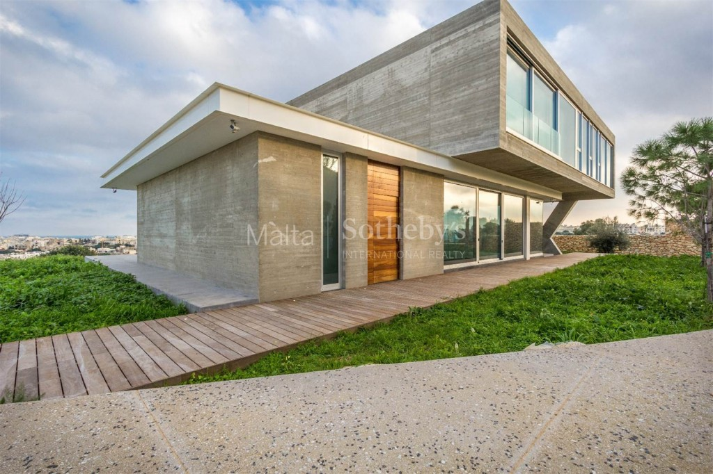 Contemporary luxury villa in Tal-Ibragg, Malta