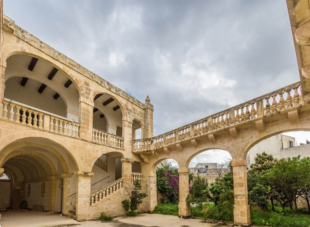 Historic palazzo in Balzan
