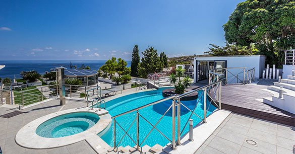 Holiday home in Mellieha, Malta with pool and stunning views.